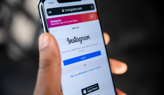 The Ultimate Guide to Instagram Shopping: How to Set it Up and Why Use It